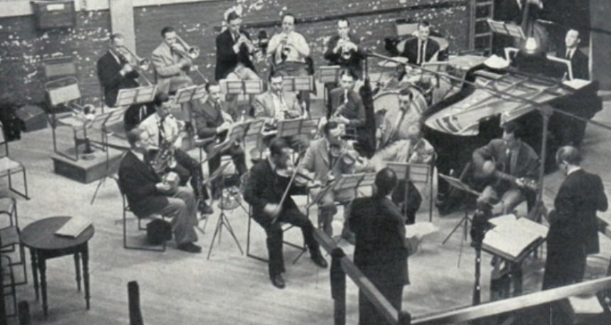 Jack Payne Orchestra reheatrsal.jpg
